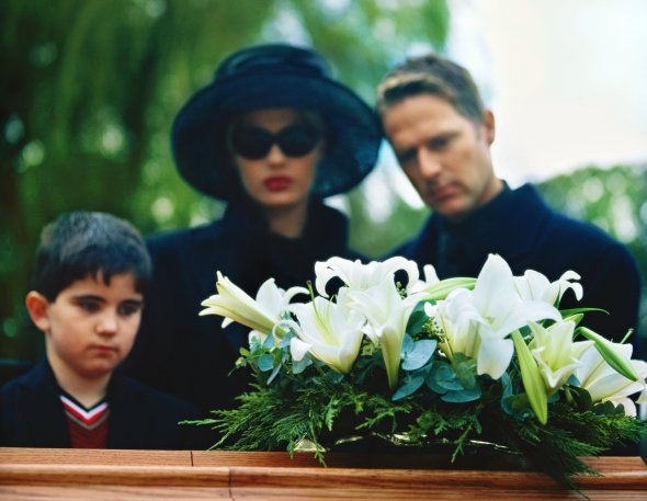 Should Your Child Attend the Funeral?